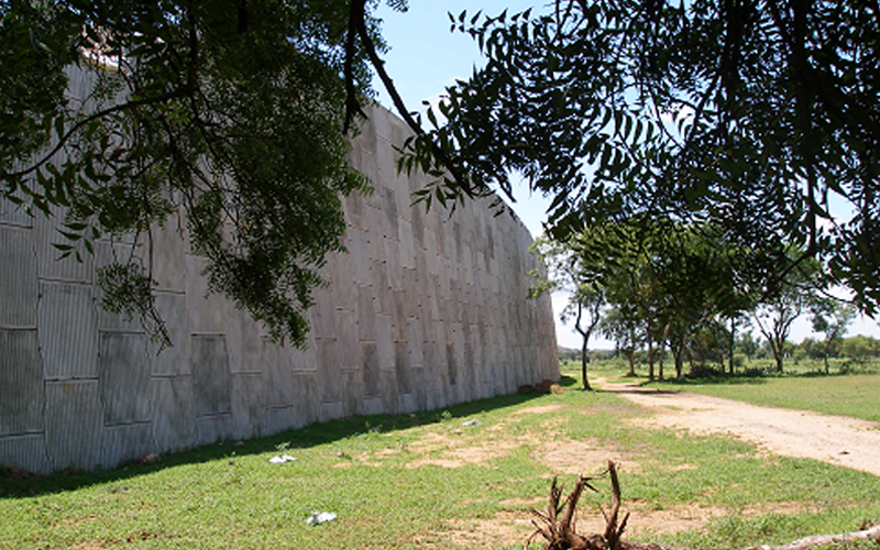 Art Work of Reinforced Soil Retaining Wall